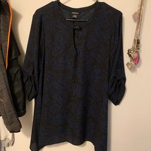 Torrid Size 00 blue and black blouse